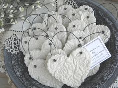 Wedding Favors / Baptism Napkin Rings Set of 10 Imprinted Heart Salt Dough Ornaments Simple and elegant, and so versatile! This listing is a Set of are not personalized but are imprinted Salt Dough Heart ornaments, with wire hanger. Clay Christmas Decorations, Diy Christmas Ornaments, Handmade Christmas, Holiday Crafts, Salt Dough Crafts, Salt Dough Ornaments, Clay Ornaments, Salt Dough Projects, Deco Table Noel