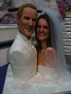 Cake Wrecks - for the mistakes that make you smile. (Or creep you out, like this picture. Bad Cakes, Just Cakes, Crazy Cakes, Wedding Fail, Dream Wedding, Cakes Gone Wrong, Cake Disasters, Tacky Wedding, Horror Wedding