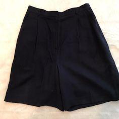 Ralph Lauren Size 8 Shorts 100% Silk Womens Pleated Front DARK NAVY Pockets EUC #LaurenRalphLauren #DressShorts
