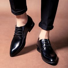 2017 New Arrival Men Dress Shoes Black Business Wedding Shoes Flats Pointed Toe Shoes Handsome High Quality