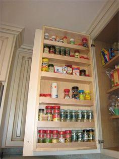 organization Spice Storage, Spice Organization, Kitchen Storage, Organizing Life, Pantry Ideas, Kitchen Ideas, Apartment Living, Getting Organized, Home Kitchens