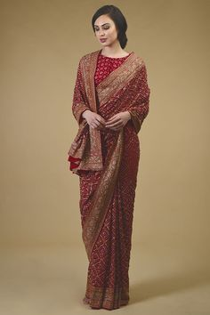 Masterpiece Red Banarasi Bandhej Saree with Zardozi Hand Embroidery Indian Bridal Outfits, Indian Fashion Dresses, Indian Designer Outfits, Designer Dresses, Wedding Outfits, Ethnic Fashion, Stylish Sarees, Stylish Dresses, Saris