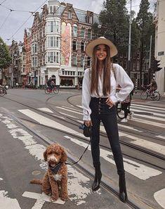 Outfit con sombrero y botines Moda Femenina 4b008945a2aa