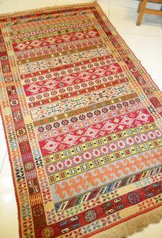 FREE SHIPPING TURKISH kilim,vıntage Turkish Kilim Rug Carpet, Hand woven Kilim Rug,Kilim Rug ,Decorative Kilim, Natural Wool