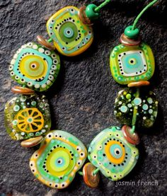 °° jasmin french °° caipirinha lampwork beads set sra. Can see how this look could be done with fused glass too.