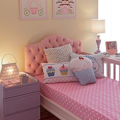 Bedroom Themes For Teens. 48 Pretty Girl Bedroom Ideas for Small Rooms. Little Girl Bedroom Ideas For Small Rooms Small Room Bedroom, Baby Bedroom, Small Rooms, Bed Room, Teen Girl Bedrooms, Little Girl Rooms, Bedroom Themes, Home Decor Bedroom, Bedroom Ideas