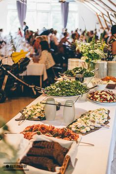 Picture: Pyry Antero Pietiläinen Seasons Of The Year, Wedding Reception, Table Settings, Table Decorations, Pictures, Home Decor, Marriage Reception, Photos, Decoration Home