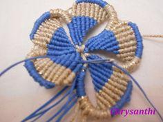 ΔΙΧΡΩΜΟ ΛΟΥΛΟΥΔΙ | kentise Macrame Necklace, Crochet Necklace, Macrame Design, Macrame Tutorial, Jewlery, Bracelets, Accessories, Friendship Bracelets, Macrame Jewelry
