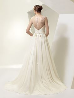 BT14-06 / Beautiful Collection / Enzoani / Available Colours : Ivory, White / Shown Sash with Beaded appliqué detail at waist (back)