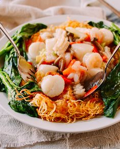 Our restaurant-style Seafood Pan Fried Noodles recipe is a classic Cantonese version made with crispy Hong Kong noodles and the perfect amount of sauce. Crispy Noodles, Wonton Noodles, Crispy Pan Fried Noodles Recipe, Cantonese Noodles Recipe, Seafood Dishes, Seafood Recipes, Cooking Recipes, Steak Recipes, Cooking Ideas