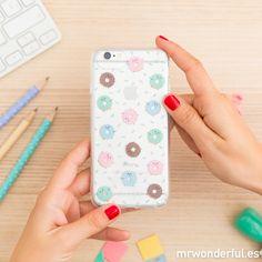 Carcasa para iPhone 7 - Mini rosquillas. También compatible con iPhone 6 y 6s, esta carcasa tiene las rosquillas más dulces y más majas del momento. #mrwonderfulshop #phone #accessories