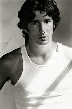 celebrity portraits by Herb Ritts - Richard Gere Gorgeous Men, Beautiful People, Beautiful Soul, An Officer And A Gentleman, Herb Ritts, Photo Portrait, Celebrity Portraits, Famous Faces, Vanity Fair