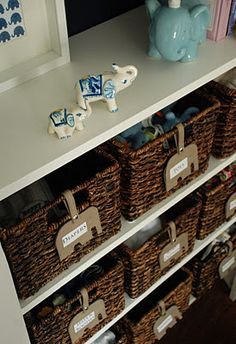 <3 this organized closet! Adorable elephant baby room, too!
