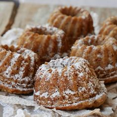 Hungarian Desserts, Low Gi Foods, Doughnut, Minion, Healthy Snacks, Breakfast Recipes, Healthy Lifestyle, Muffin, Food And Drink