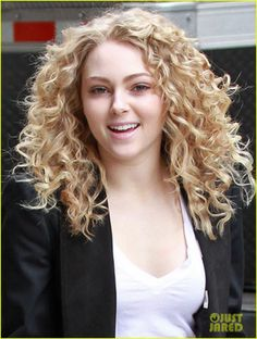 AnnaSophia Robb: Getting into Character for 'Carrie Diaries' | annasophia robb carrie diaries dress 05 - Photo