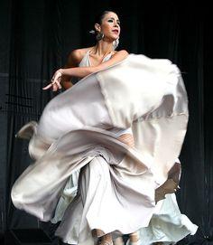 Flamenco Dancer this is Beautiful!
