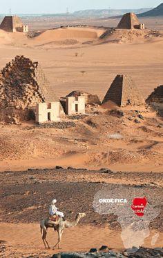 O complexo de Meroe foi a capital do reino Kush durante vários séculos. Hoje suas areias têm quase 100 pirâmides. sudão.          Haroldo Castro