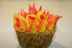 LESSON Moses in the desert Burning Bush cupcakes - great snack idea for VBS or Bible class Bible School Snacks, Sunday School Snacks, Bible School Crafts, Bible Crafts For Kids, Vbs Crafts, Church Crafts, Sunday School Lessons, Sunday School Crafts, Burning Bush Craft