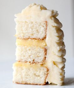 lemon cake with lemon curd & swiss meringue buttercream. My kind of cake! Lemon Desserts, Lemon Recipes, Sweet Recipes, Just Desserts, Cake Recipes, Dessert Recipes, Lemon Cakes, Eat Dessert First, How Sweet Eats