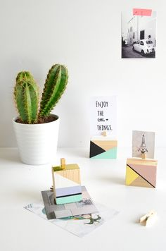 Geometric picture holders from wooden blocks | pastel diy | wood craft  http://passionshake.com/diy-geometric-picture-holders/