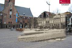 Toen en nu foto van een deel van de #kaasmarkt in Alkmaar. 1925-2015. #Käsemarkt, #cheesemarket Hier het volledige beeld: http://www.regionaalarchiefalkmaar.nl/beeldbank/d008323d-946d-4317-924c-f2596d35098d