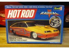 Revell - Rick Dobbertin's radical J-2000 Pontiac Pro/street model kit