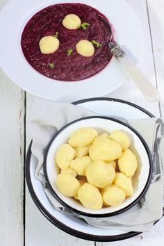 Kasza manna - kluseczki chrzanowe:  150 ml mleka + 50 g masła + sól, pieprz +100 g kaszy manny + 100 gchrzanu + 1 jajko