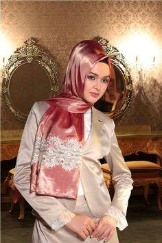 Shawl Islamic Fashion, Muslim Fashion, Hijab Fashion, Beautiful Hijab, Beautiful Scarves, Turban Hijab, Lace Silk, Satin Dresses, Scarf Styles