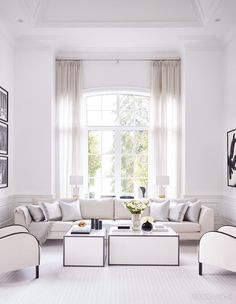 See gorgeous photos of the 2019 Princess Margaret Cancer Centre Home Lottery Showhome in Oakville, Ontario, by designer Brian Gluckstein. Princess Margaret Lottery, Dining Room Walls, Living Room, Home Lottery, Floor Patterns, Square Tables, Interior Exterior, Interior Design, Lounge Areas