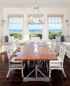 I was browsing Houzz today and came across this gorgeous summer beach house located in Charleston, SC and I couldn't resist sharing: