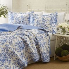Laura Ashley Lifestyles Bedford Quilt Set, Blue