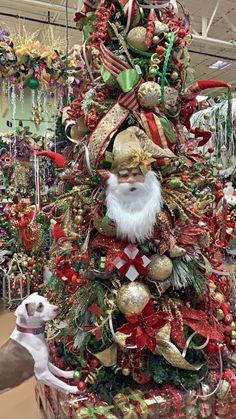 Gold Christmas Tree, Christmas Porch, Natural Christmas, Santa Christmas, Christmas Tree Decorations, Christmas Wreaths, Christmas Ornaments, Holiday Decor, Easy Christmas Cookie Recipes