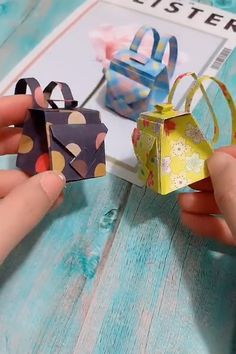 Back to school craft - Easy DIY paper School backpack for kids , Diy Crafts Hacks, Diy Crafts For Gifts, Diy Arts And Crafts, Creative Crafts, Easy Crafts, Easy Diy, Paper Flowers Craft, Paper Crafts Origami, Paper Crafts For Kids