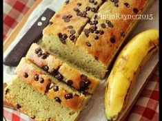 Resep Banana Cake 5 Bahan aja Very Yummy favorit. Berawal dari sisa pisang sunpride si bungsu yang ga doyan banget sm pisang..berkali2 dicoba tetep ga doyan..wkwkwk..alhasil uda mulai mblonyott,mulailah bergentayangan cari resep tapiii kali ini maunya yg simpel aja..today rada kena bakingblue.. (-.-)' Nah tertarik sm judul blognya Mba endang jtt judule 'banana cake 5 bahan yg very very very yummy' hmm,tempting!!wkkwkwkwk.. Segera dieksekusi,persiapan cpt buangett cm 5bahan,mixer...