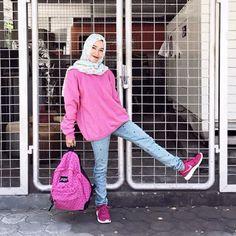 look hijab6 Hijab Chic, Ootd Hijab, Hijab Outfit, Islamic Fashion, Muslim Fashion, Korean Fashion, Girl Outfits, Casual Outfits, Cute Outfits
