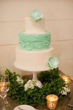 "Photography: Katelyn James  | Cake: Maliha""Weddings in Black and Gold""  Creations"