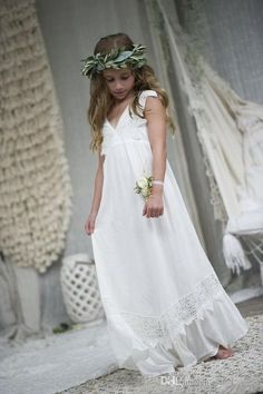 8b63bf2b3b0 2019 New Boho Flower Girl Dresses For Wedding Communion Dresses Cap Sleeve  A-Line Floor Length Beach Chiffon Lace Child Pageant Gowns F059
