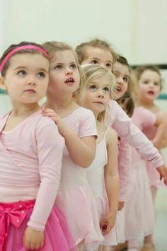 Parents and Kids: 3 Ways To Do Ballet Together Tutu Ballet, Baby Ballet, Little Ballerina, Ballet Dancers, Precious Children, Beautiful Children, Beautiful Babies, Ballet Class, Dance Class