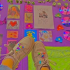 Pink Wallpaper For Girl, Hippie Wallpaper, Retro Wallpaper, Indie Bedroom, Indie Room Decor, Estilo Indie, Rainbow Aesthetic, Aesthetic Indie, Fotografia Indie