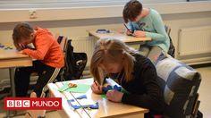 """Desde 2016 el país nórdico, famoso por la calidad de su educación, aplica este nuevo método de enseñanza que en vez de centrarse en materias, está poniendo el énfasis en habilidades. La BBC te cuenta cómo se está aplicando el llamado """"phenomenon learning"""", y qué dicen sus amantes y detractores."""