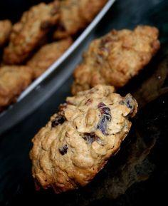 Ciasteczka z bakaliami w pełni owsiane Cooking Recipes, Sugar, Cookies, Breakfast, Healthy, Sweet, Desserts, Food, Crack Crackers
