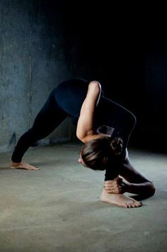 head to ankle pose