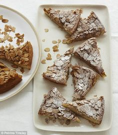 Nigella's cinnamon almond cake (nigella lawson) - egg whites, olive oil, and almond flour