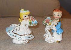 VTG ARNART CERAMIC COUPLE FIGURINES~BOY&GIRL~BLUE CLOTHES~PASTEL FLOWERS~JAPAN