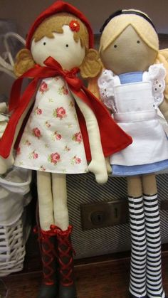alice in wonderland & little red dolls ~ lilliputloft