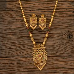 Gold Mangalsutra Designs, Gold Earrings Designs, Gold Jewellery Design, Necklace Designs, Diamond Mangalsutra, Bridal Necklace Set, Bridal Jewelry, Nose Ring Jewelry, Gold Jewelry Simple
