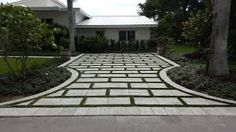 A beautiful driveway design starts with a call to AlternaScapes . - A beautiful driveway design starts with a call to AlternaScapes … Garden Ideas Driveway, Diy Driveway, Brick Driveway, Resin Driveway, Driveway Design, Driveway Landscaping, Cheap Driveway Ideas, Patio Ideas, Pergola Ideas