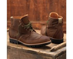 Men's Timberland Boot Company® Mudlark Handsewn Chukka - Style: 4006R // Inspired by industrial-era dependability, this boot highlights the craftsmanship and quality construction that's been handed down for generations.