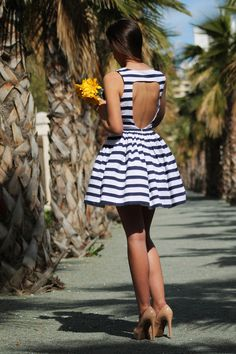 Black & White Summer Dress with Cut Out Back fashion stripes high heels summer fashion cut out street style summer dress short dress-summer outfit Cool Summer Outfits, Cute Outfits, Summer Clothes, Spring Outfits, Look Fashion, Womens Fashion, Fashion Trends, Fashion 2015, Dress Fashion