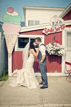 Rocky Mountain Bride   The Bride's Planning Guide to a Perfect Rocky Mountain Wedding!   Page 7
